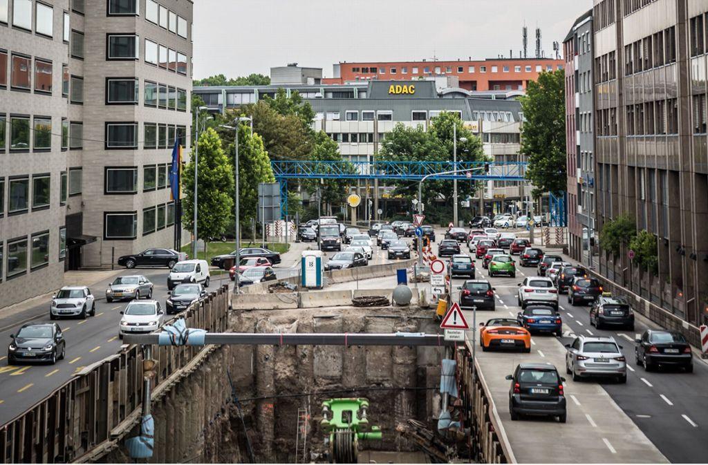 An der Willy-Brandt-Straße ist die Verkehrsführung schon mehrfach geändert worden. Foto: Lichtgut/Julian Rettig