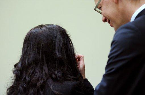 Angeklagte im NSU-Prozess spricht mit Richter
