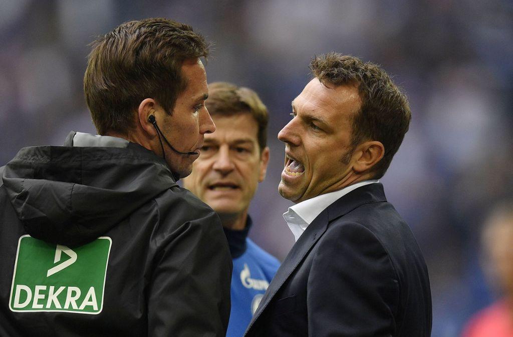 So kennen die meisten Markus Weinzierl: Immer voller Einsatz – auch gegen den Schiedsrichter. Foto: AP