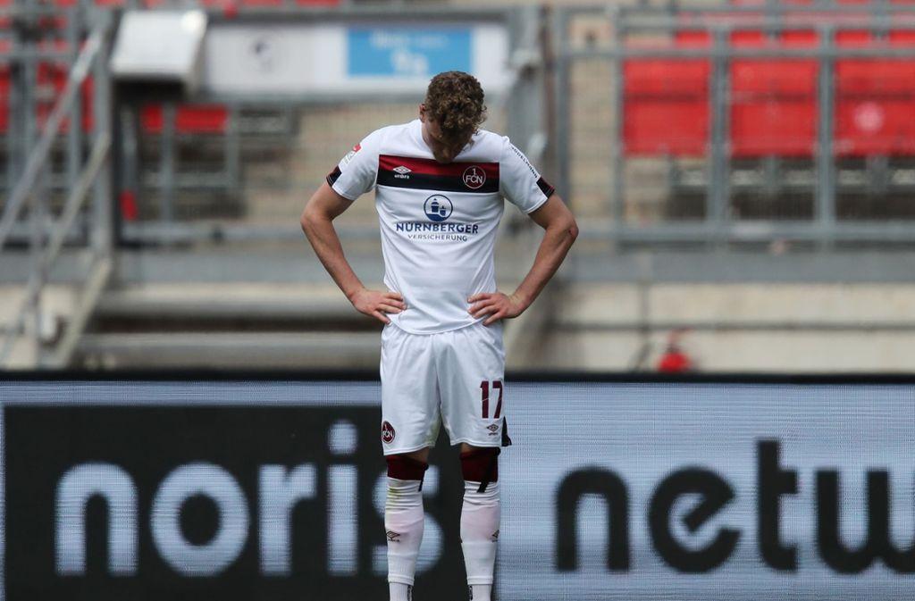 Der 1. FC Nürnberg hingegen steckt weiter in der Abstiegszone fest. Foto: dpa/Daniel Karmann
