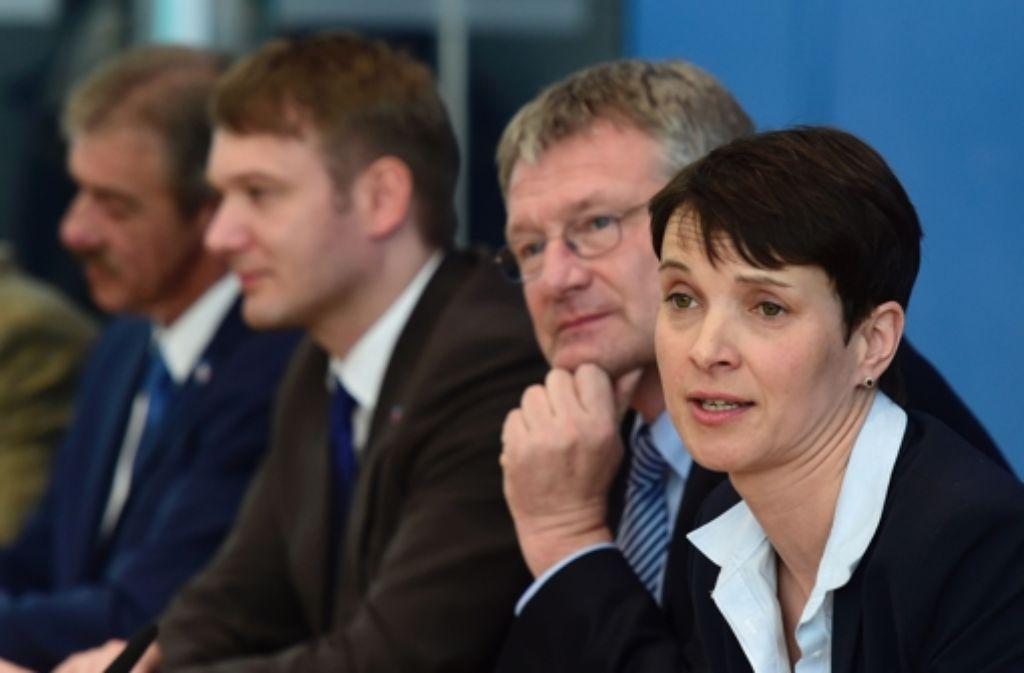 Die Parteichefs Petry und Meuthen sind nicht immer einer Meinung. Foto: AFP