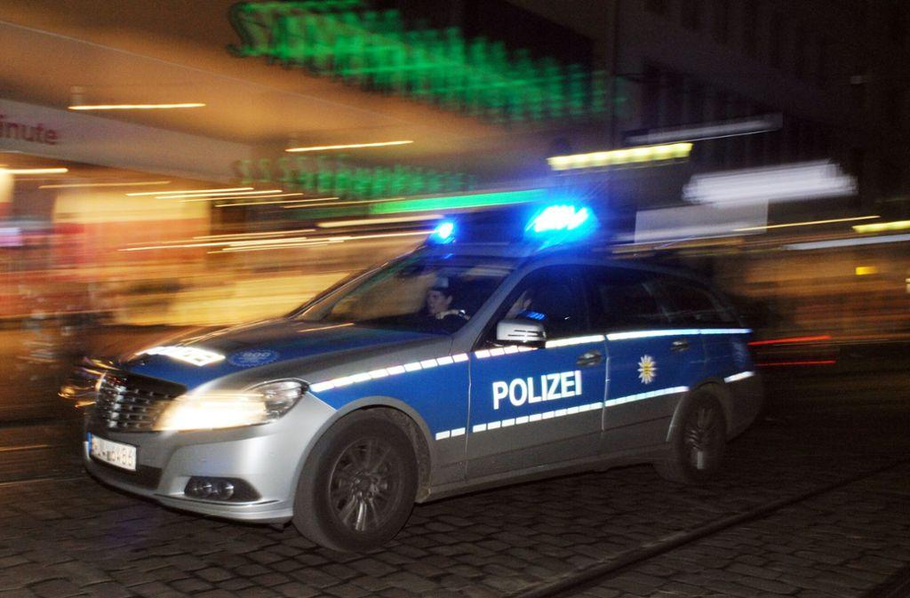 Nach dem zweiten Überfall löste die Polizei eine Großfahndung in Backnang aus. Foto: dpa