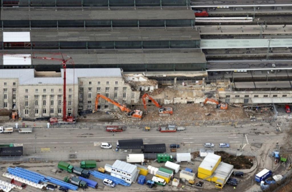 Ein Anblick, der die Stuttgarter noch lange begleiten wird: Baustelle am Hauptbahnhof. Foto: dapd