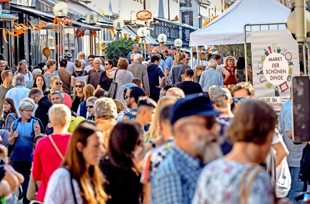 Die Stadt feiert das Kastanienbeutelfest – und die Menschen strömen in Massen. Foto: factum/Weise