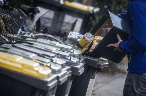 Nachbarschaftsstreit mit Wischmop wegen Mülltonne