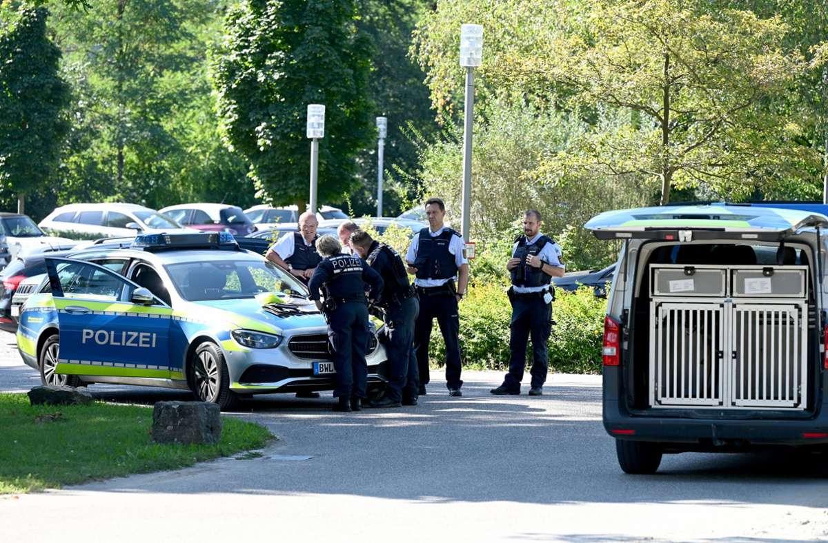 Die Polizei fahndet weiterhin nach den Straftätern. Foto: dpa/Bernd Weißbrod
