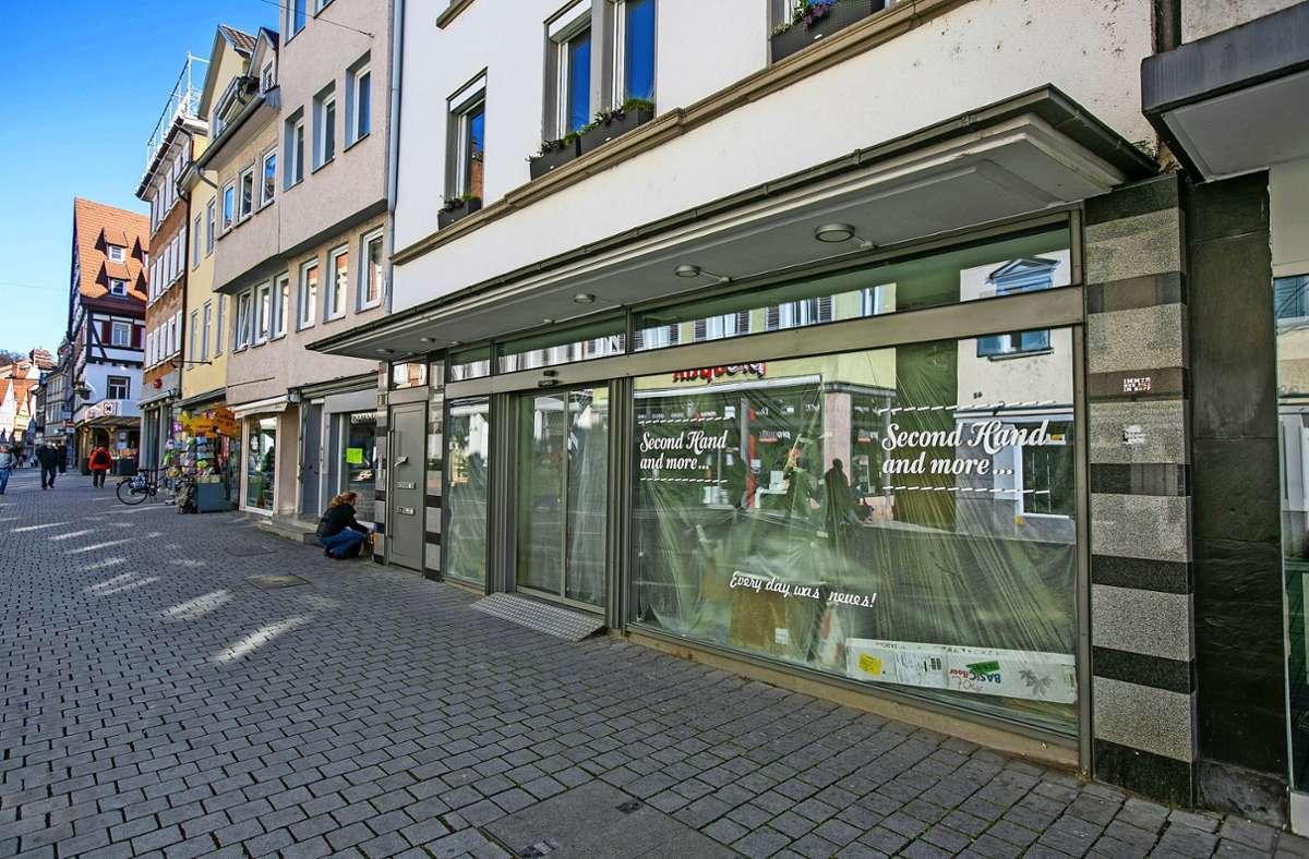 Coronabedingt sind derzeit viele Läden geschlossen. Damit verrammelte Türen  nicht langfristig das Bild der City prägen, wird die Stadt jetzt aktiv. Foto: Roberto Bulgrin