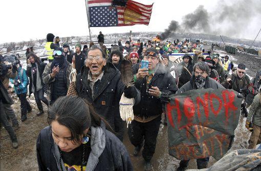 Indianer und Umweltschützer müssen Protest-Camp verlassen