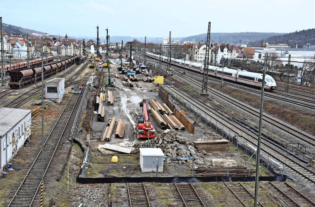 Mitte nächsten Jahres soll die Tunnelröhre  am künftigen Abstellbahnhof an die Oberfläche gelangen. Foto: Mathias Kuhn