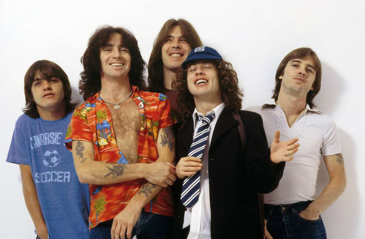 AC/DC zu ihrer Glanzzeit Ende der 70er (von links): Malcolm Young, Bon Scott, Cliff Williams, Angus Young, Phil Rudd Foto: Redferns/Fin Costello