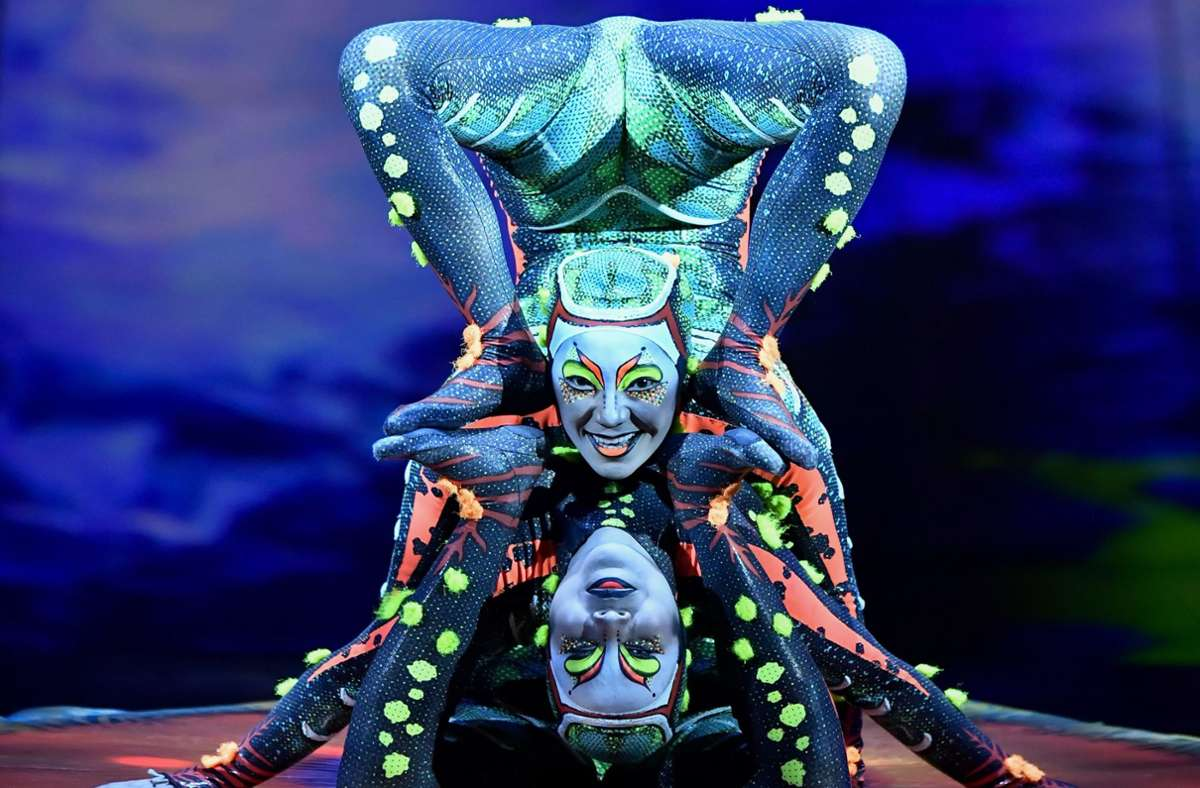 """Wegen Corona: Der Cirque du Soleil muss hoch qualifizierte Mitarbeiter wie diese Körperakrobaten aus der Show """"Totem"""" vorerst entlassen. Foto: AFP/Dirk Waem"""