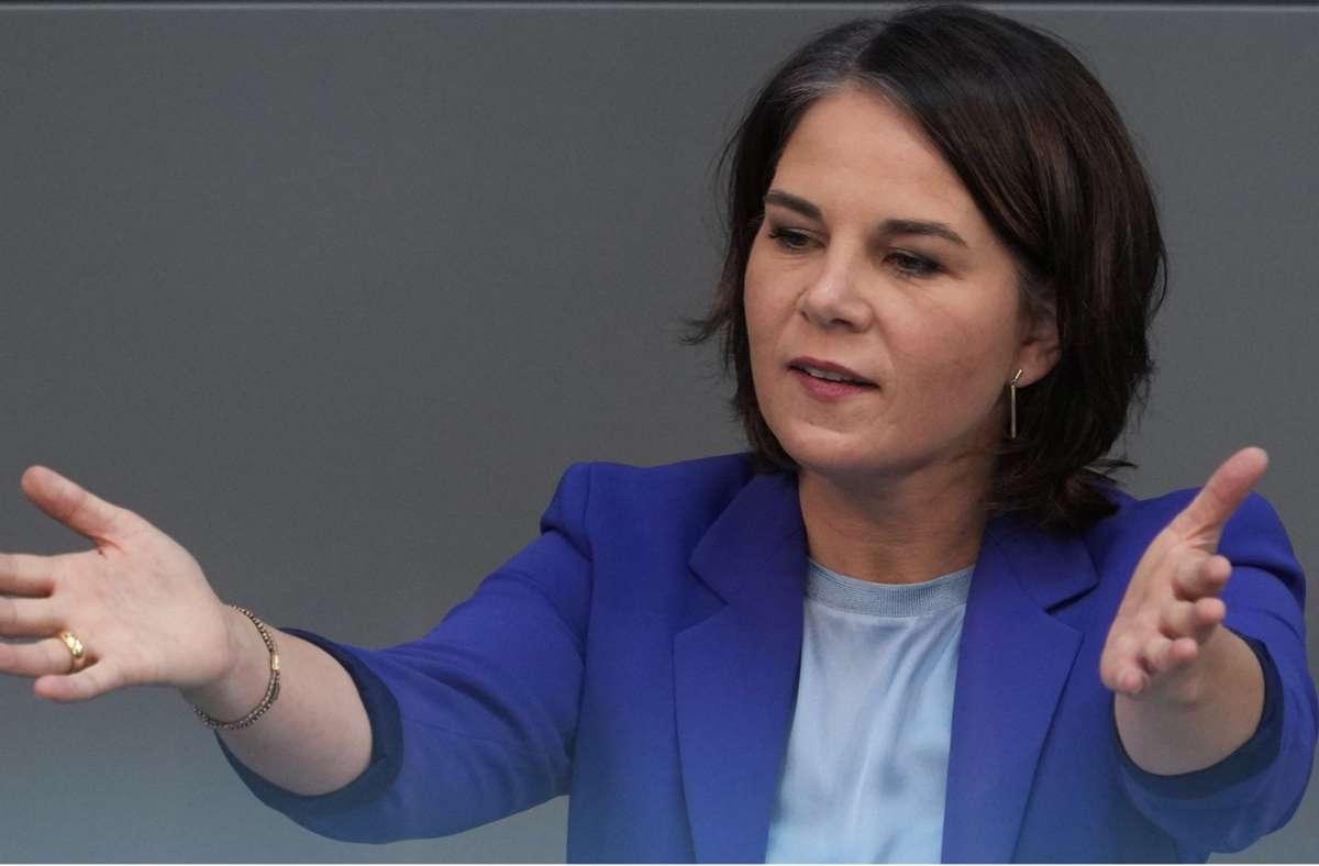 Annalena Baerbock findet im Wahlkampf kritische Worte für Union und SPD. Foto: dpa/Kay Nietfeld