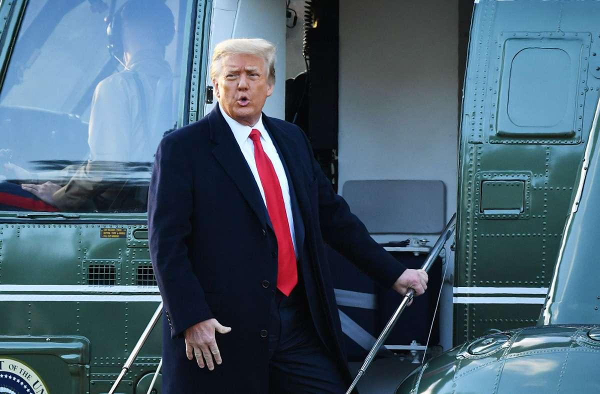 Gegen den ehemaligen US-Präsidenten Donald Trump ist das zweite Impeachment verlesen worden. Foto: AFP/MANDEL NGAN