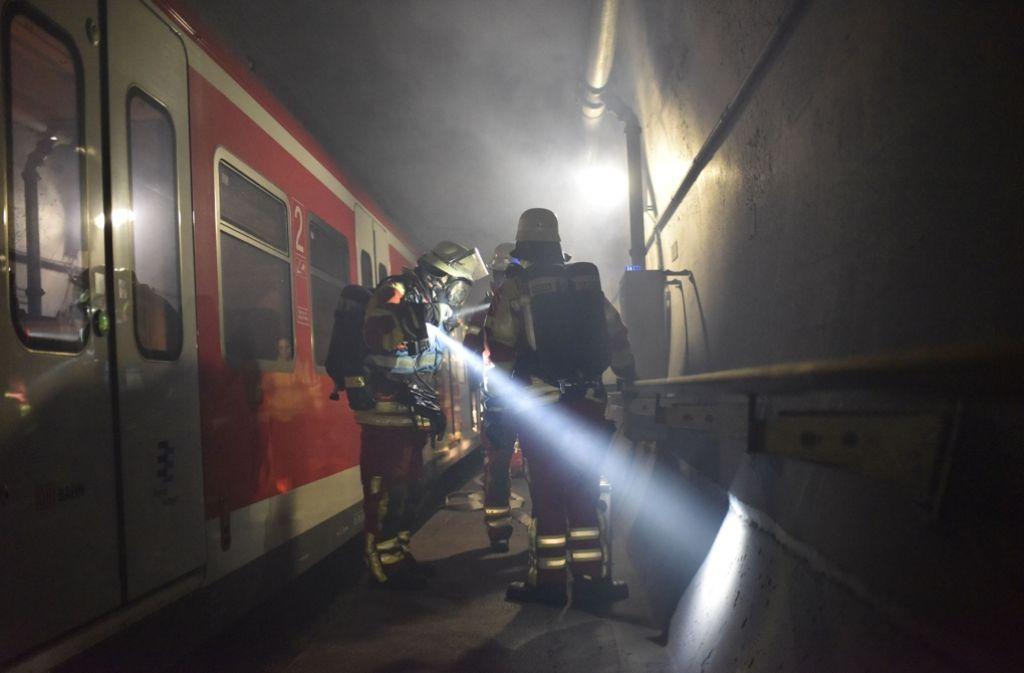 Die Feuerwehr hat im Fildertunnel den Ernstfall geprobt. Foto: 7aktuell.de/Eyb