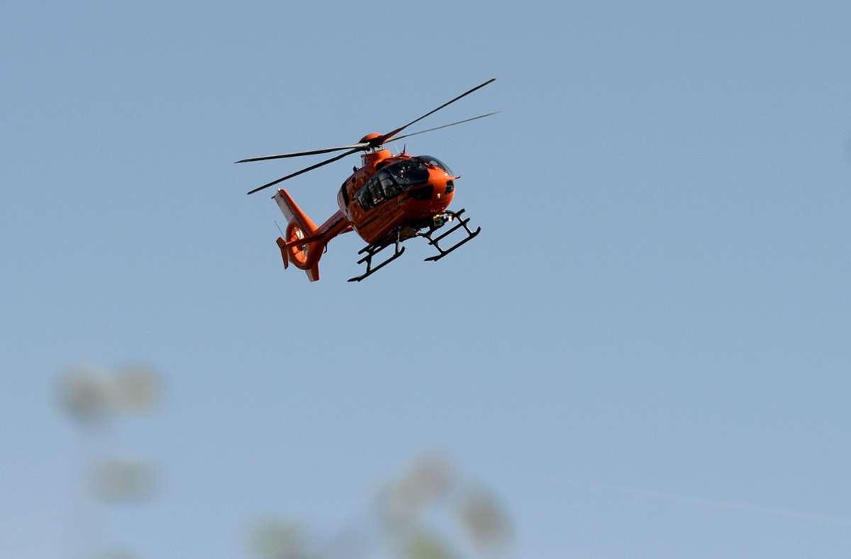 Der schwer verletzte Mann wurde mit einem Hubschrauber in die Klinik nach Offenburg gebracht. Foto: picture alliance / dpa/Daniel Reinhardt