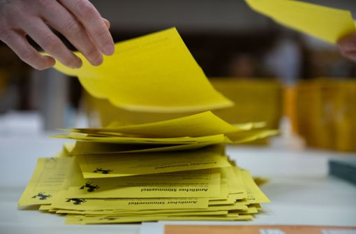 Schwarz dominiert in allen Wahlbezirken