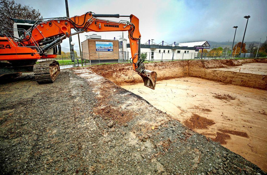 Die Bauarbeiten für das sportliche Millionenprojekt in Weinstadt haben begonnen. Foto: Stoppel