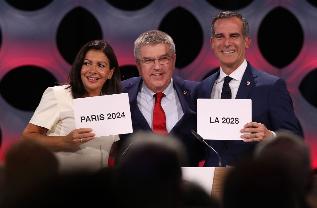 IOC-Präsident Thomas Bach (Mitte) Foto: Getty Images South America