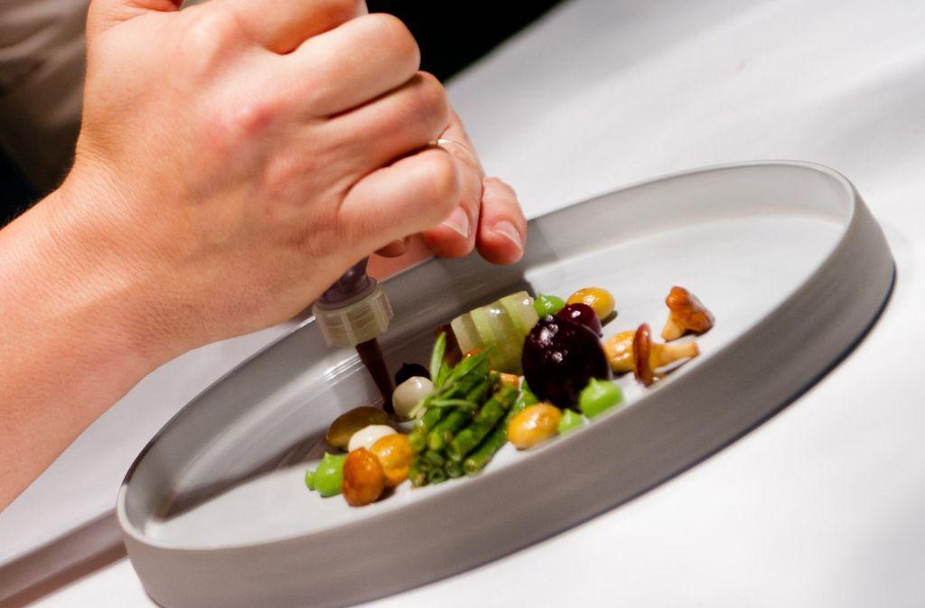 Der Restaurantführer Gault Millau zeichnet die feinsten Gourmetküchen in Deutschland aus. Foto: dpa