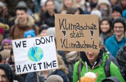Tausende Schüler demonstrieren gegen Klimapolitik