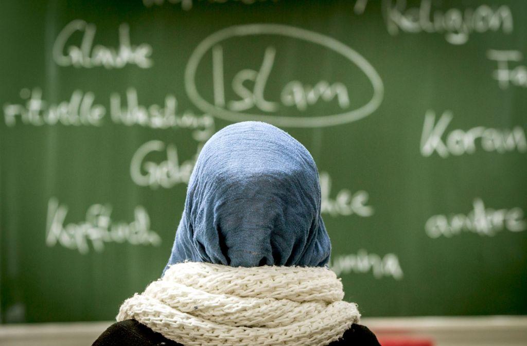 Islamischer Religionsunterricht kommt gut an, doch seine Zukunft ist ungewiss. Foto: dpa