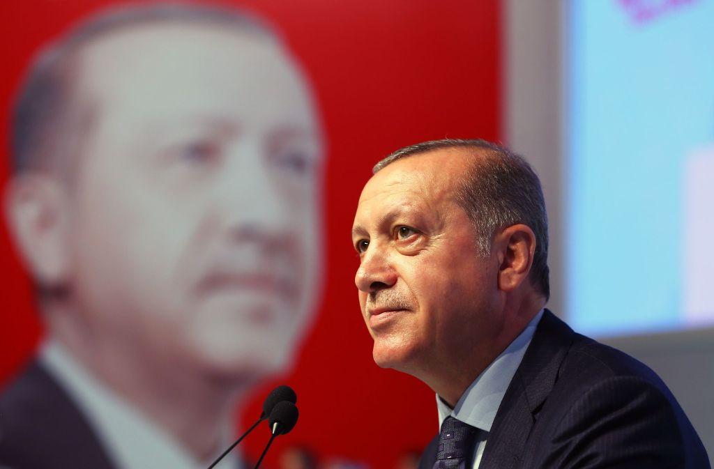 Der türkische Präsident Erdogan  belastet mit seinem Vorgehen das deutsch-türkische Verhältnis. Foto: