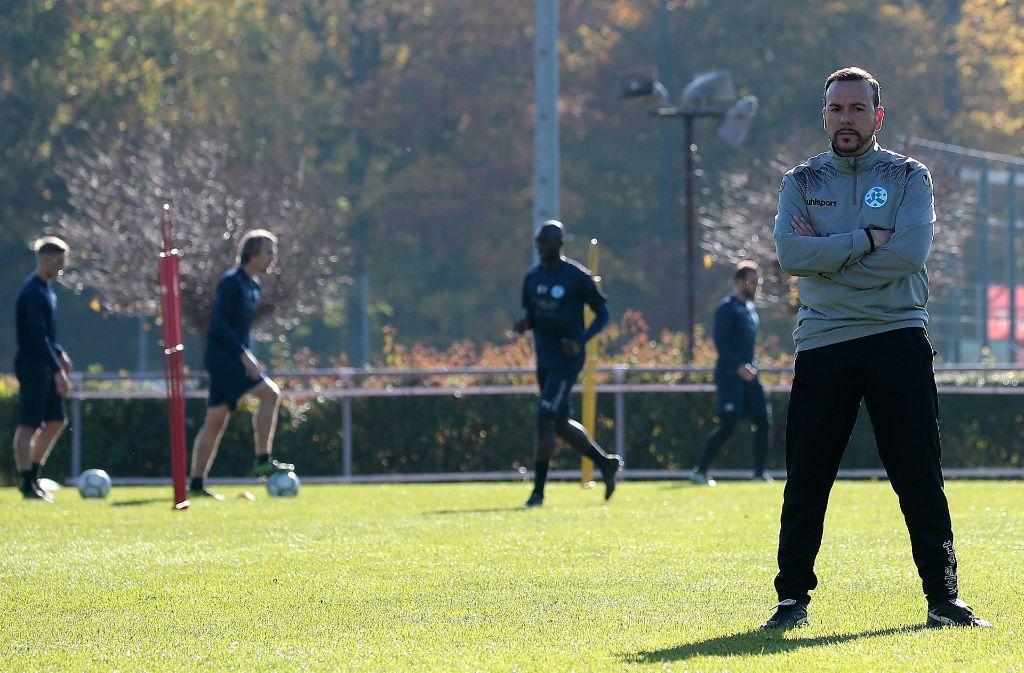 Die Kickers gehen vor: Paco Vaz verzichtet auf eine Bewerbung für den DFB-Fußball-Lehrer-Lehrgang 2018. Foto: Baumann