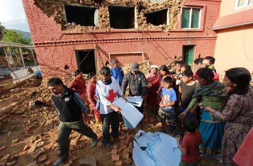 Menschen verlassen Kathmandu-Tal