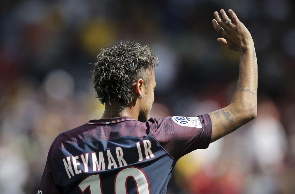 Fußball-Star Neymar zieht es wohl zu Real Madrid – bei PSG wurde er nicht glücklich. Foto: AP/dpa