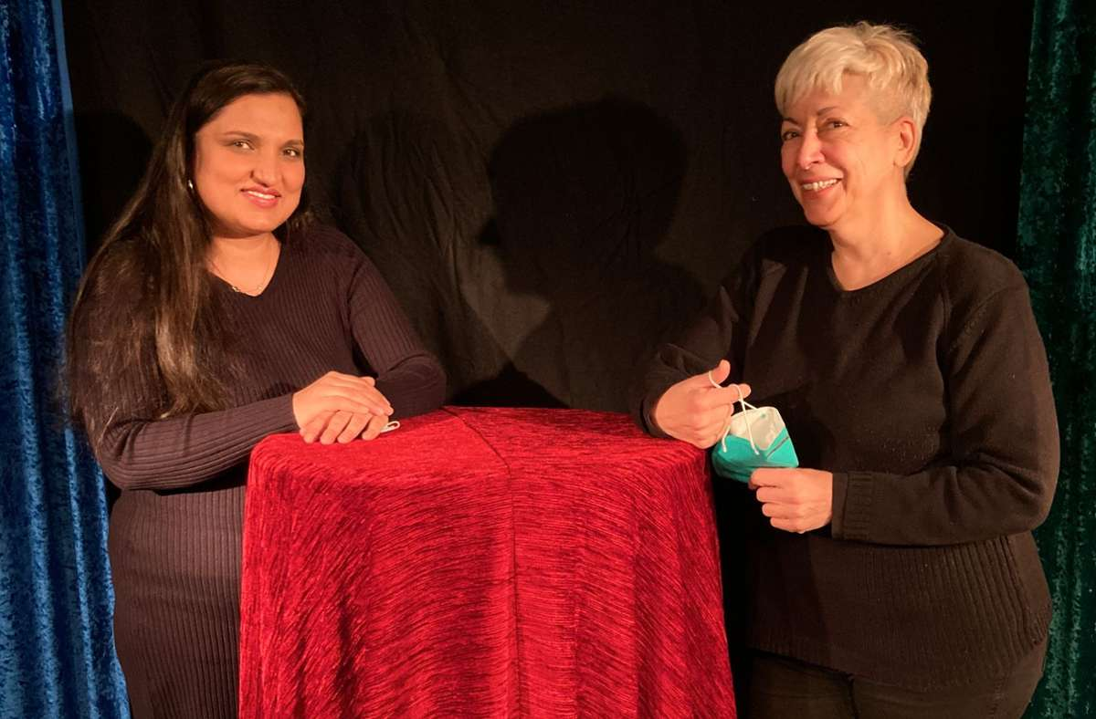 Vereint im Kampf gegen Diskriminierung der Sinti und Roma: Marta Orsos   und Nelly Eichhorn Foto: Martin Haar