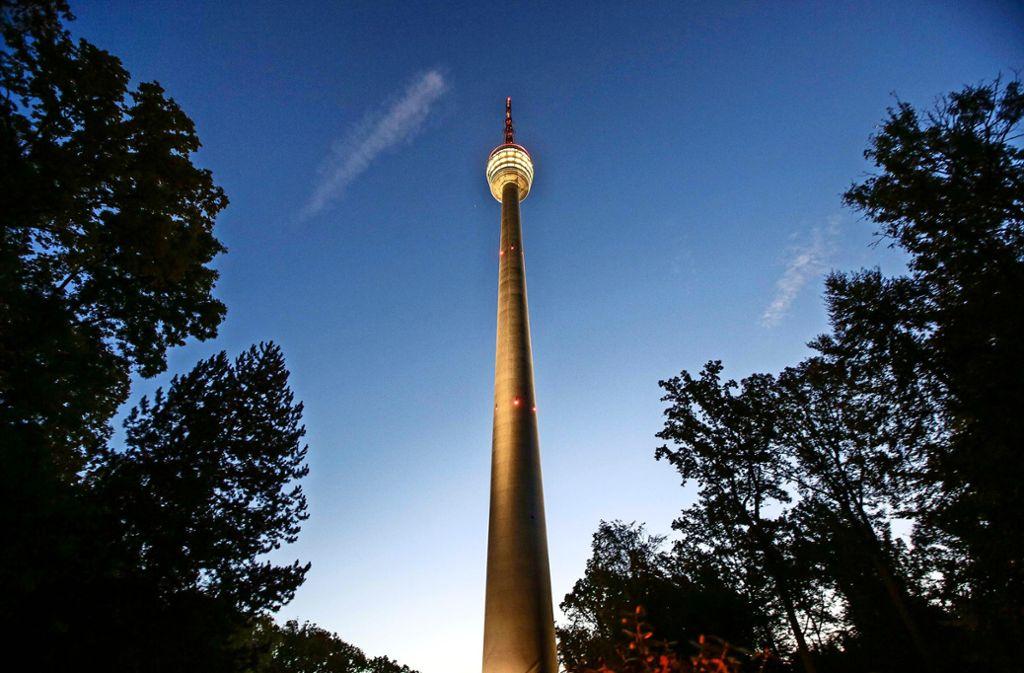 Schlank und elegant ragt der Stuttgarter Fernsehturm in den Himmel. Foto: Lichtgut/Leif Piechowski