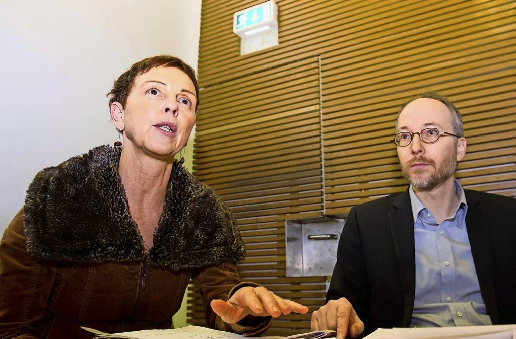 Die Politiker Sabine Leidig (Linke)  und Matthias Gastel sind Gegner des Bahnprojekts. Foto: dpa