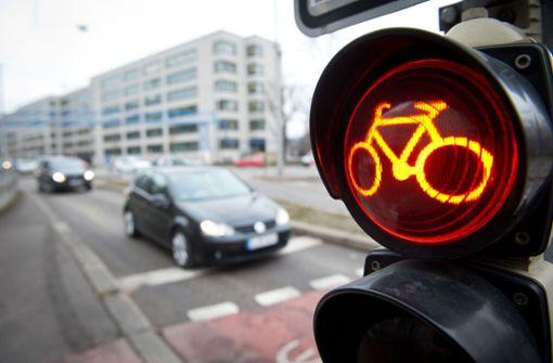 Radfahrer fährt bei Rot und stirbt bei Kollision