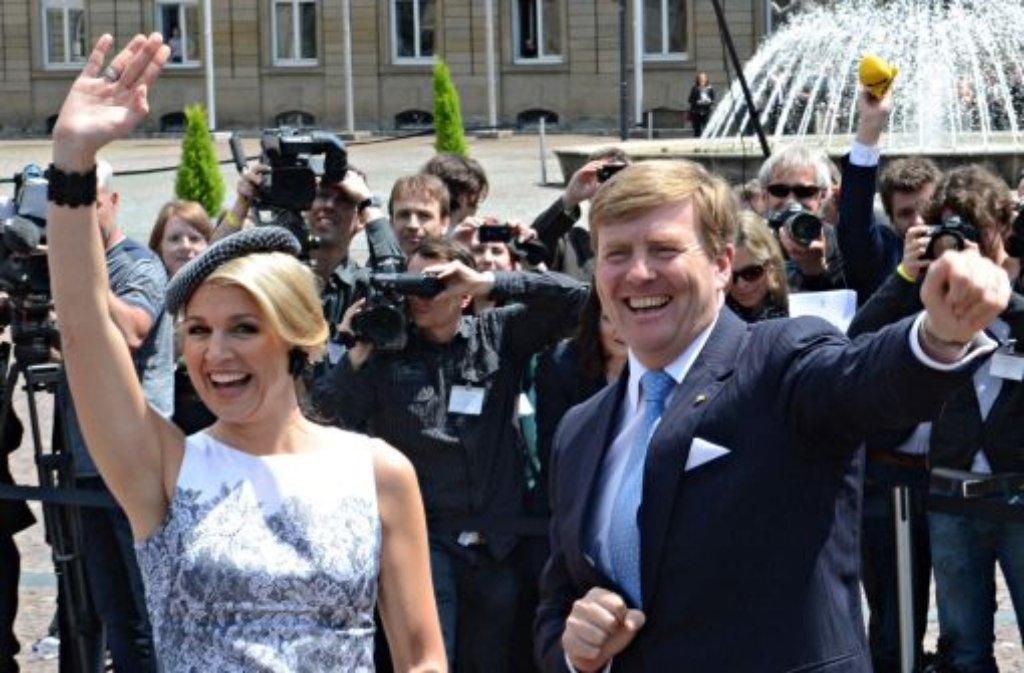 Máxima und Willem-Alexander haben in Stuttgart eine gute Figur gemacht - und womöglich auch gute Geschäfte für ihr Land. Wir dokumentieren den Besuch des niederländischen Königspaars in einer Bilderstrecke. Foto: dpa