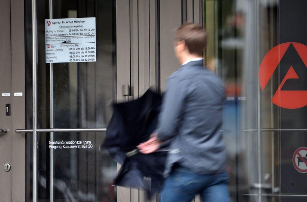 Die Zahl der Arbeitslosen ist in Deutschland im September auf 2,256 Millionen Menschen zurückgegangen. (Symbolbild) Foto: dpa