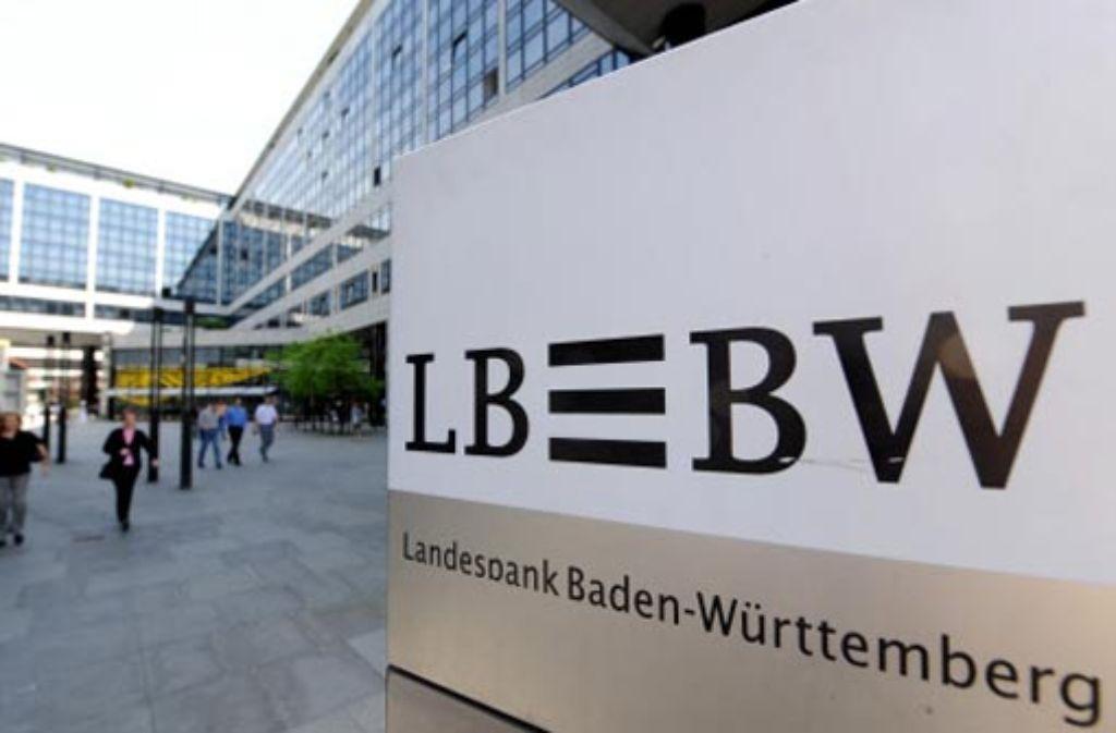 Die LBBW hat 2010 weiter rote Zahlen geschrieben. Foto: dpa