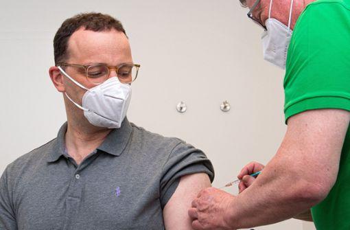 Bundesgesundheitsminister Jens Spahn mit Astrazeneca geimpft