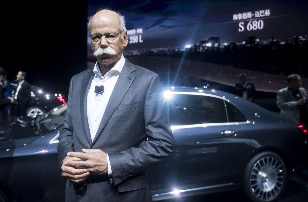 Daimler-Chef Dieter Zetsche beim Autosalon Schanghai. Impressionen von der Veranstaltung gibt es in unserer Bilderstrecke. Foto: AFP