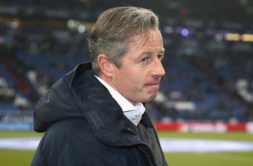 Schalke bleibt dem Trainer treu