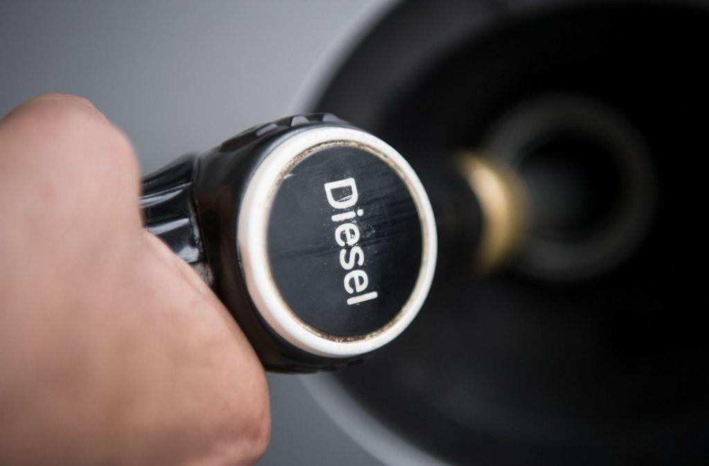 Nach der Koalitionseinigung in der Diesel-Affäre sind nun die Autobauer am Zug (Symbolbild). Foto: dpa