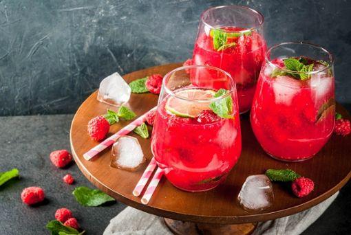 Erfrischende Cocktails für heiße Sommerabende