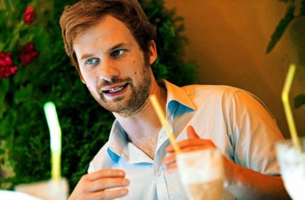 Drei Eiskaffee und ein kontroverses Gespräch: im StZ-Interview redet Hannes Rockenbauch über seine Sicht auf die Stadt. Um mehr über sein Leben zu erfahren, klicken Sie sich durch die Fotostrecke. Foto: Michael Steinert