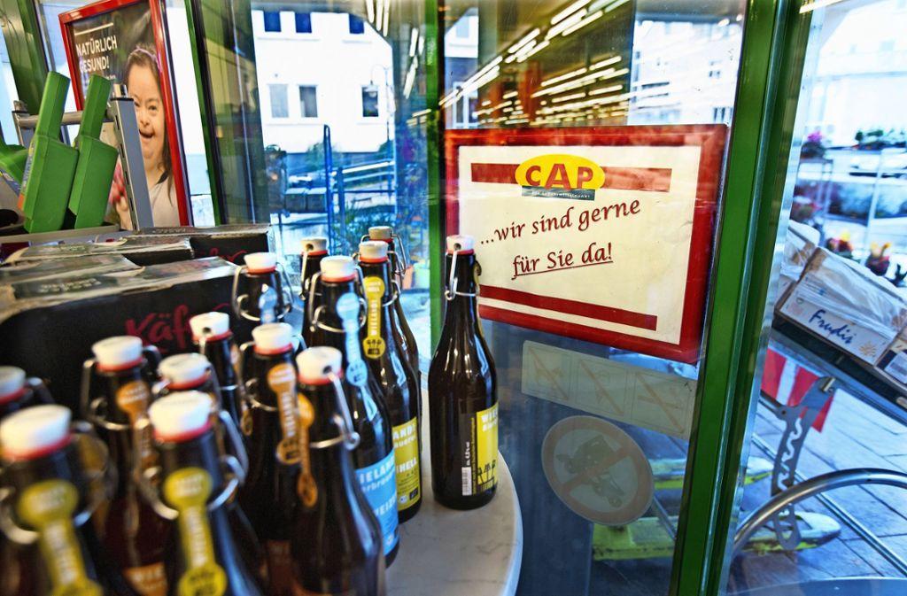 Die CAP-Märkte wie hier in Neuhausen sind nicht nur Einkaufsmöglichkeit, sondern auch Begegnungsorte. Foto: Horst Rudel
