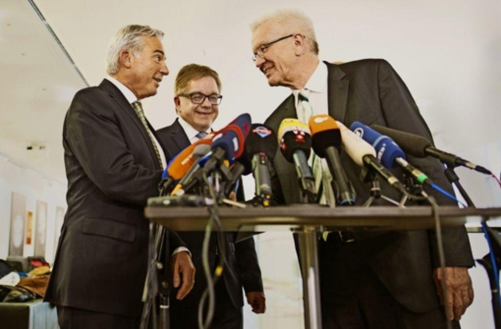 Thomas Strobl und Guido Wolf  zusammen mit Winfried Kretschmann (von links) nach dem Ende der Sondierung am Dienstag. Foto: dpa