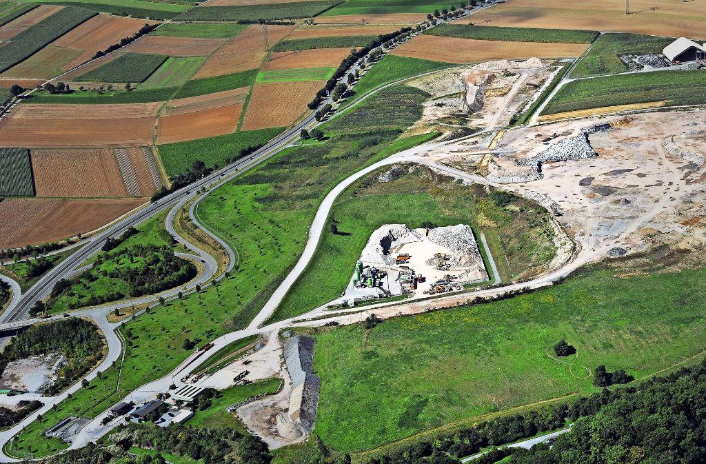 Hier soll der freigemessene Bauschutt aus Neckarwestheim abgelagert werden: die Deponie  Froschgraben in Schwieberdingen. Foto: Kuhnle