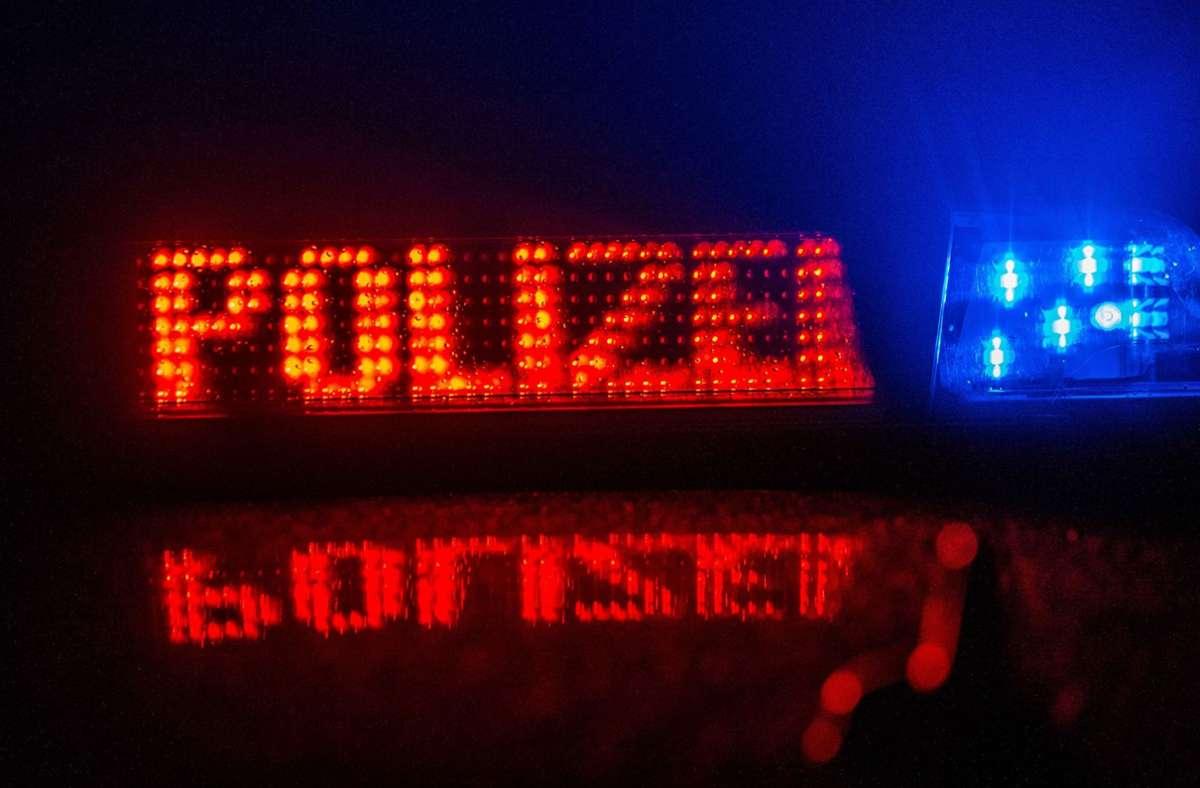 Die Polizei ermittelt in Bad Cannstatt nach einem versuchten Tötungsdelikt (Symbolbild). Foto: SDMG/SDMG / Sven Kohls