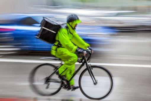 Wasser von unten und von oben - zugegeben, das ist nicht jedes Radfahrers Sache. Doch wenn die Infrastruktur, ...