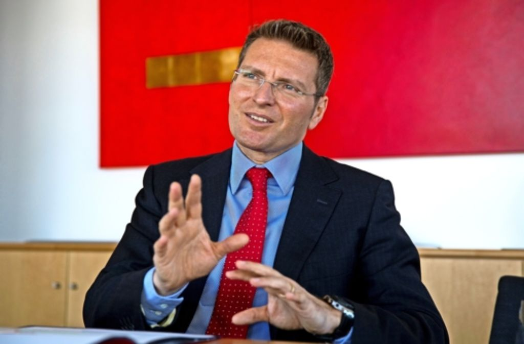 Kreissparkassen-Chef Bernd Fickler ist mit dem ersten Halbjahr zufrieden. Foto: Frank Eppler