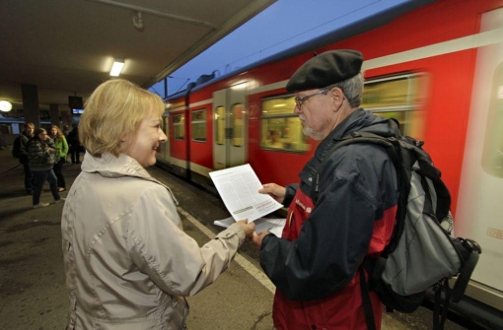 Klartext zum Reizthema S-Bahn hat es am Montag auf vielen   Bahnsteigen in der Region Stuttgart gegeben. Foto: Foto: factum-WEISE