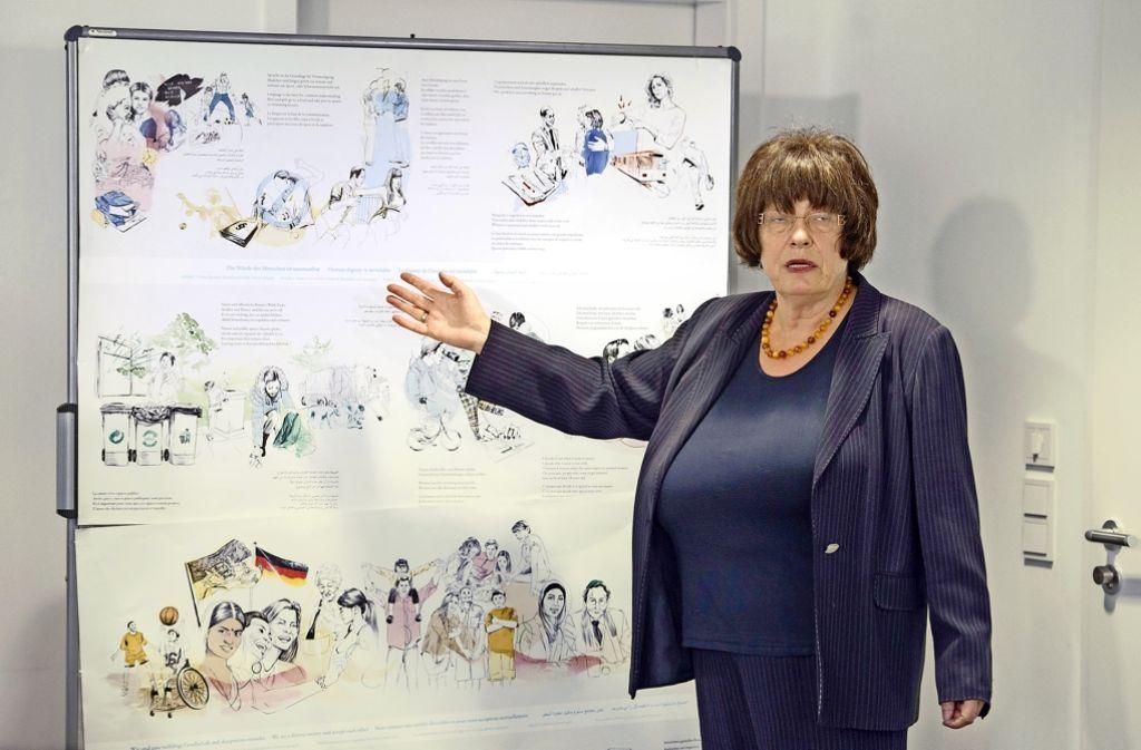 """Staatsrätin Gisela Erler (Grüne) hat das """"ABC  des Zusammenlebens"""" gemeinsam mit Flüchtlingshelfern erarbeitet. Foto: dpa"""